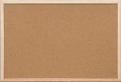 Placa em branco da cortiça do escritório com frame de madeira Foto de Stock Royalty Free