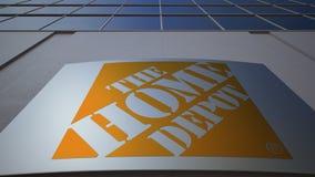 Placa exterior do signage com o logotipo de Home Depot Prédio de escritórios moderno Rendição 3D editorial Foto de Stock Royalty Free
