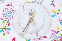Placa, fork y cuchillo vacíos foto de archivo libre de regalías