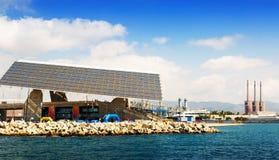 Placa fotovoltaico na área do fórum e central elétrica em Barcelona Fotos de Stock Royalty Free