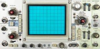 Placa frontal electrónica vieja del osciloscopio, tecnología imagen de archivo libre de regalías