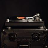 Placa giratoria profesional de DJ en caso del vuelo Imagen de archivo libre de regalías
