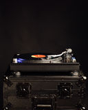 Placa giratoria profesional de DJ en caso del vuelo Fotografía de archivo