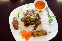 Placa lisa vietnamiana dos macarronetes de aletria do arroz imagens de stock