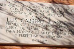 Placa a Luis Carrerro Blanco Imagenes de archivo