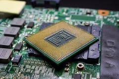 Placa madre del chipset de Digitaces con el microprocesador de procesador Fotografía de archivo libre de regalías