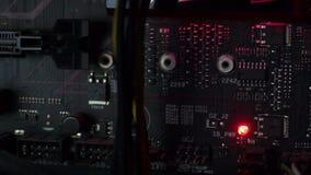 Placa madre negra con el LED rojo almacen de video