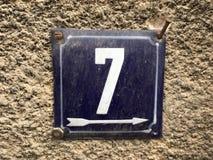 Placa oxidada del metal del cuadrado del grunge del vintage del número de dirección de calle con número Imagen de archivo libre de regalías