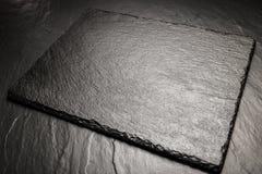 Placa preta da ardósia para servir com espaço da cópia Foto de Stock Royalty Free