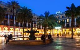 Placa Reial在冬天晚上 巴塞罗那 免版税库存照片