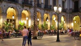 Placa Reial com restaurantes filme