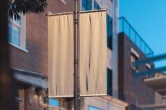 A placa rola acima o modelo Molde vazio do cartaz Sinal de rua, signage, rendi??o 3d fotos de stock