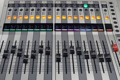 Placa sadia de Digitas usada para misturar o áudio imagens de stock royalty free