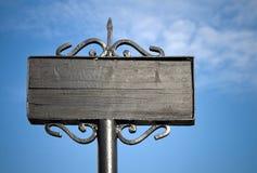 Placa tradicional preta vazia da rua Imagens de Stock Royalty Free