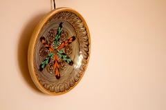 Placa tradicional que pendura na parede Fotografia de Stock Royalty Free