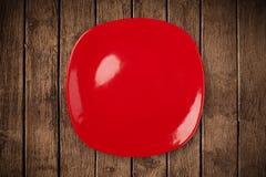 Placa vazia colorida na tabela suja do fundo foto de stock royalty free