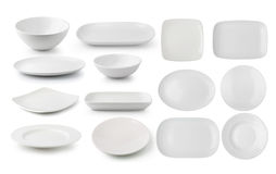 Placa y cuenco blancos de la cerámica en el fondo blanco fotos de archivo