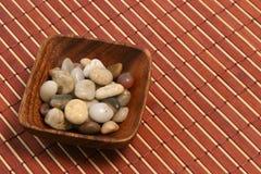 Placa y piedras orientales 02 imagen de archivo libre de regalías