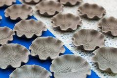 Placas de cerámica hechas a mano Imágenes de archivo libres de regalías