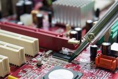 Placas de circuito impresso de solda Fotos de Stock