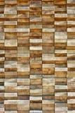 Placas de madeira empilhadas altamente firmemente fotos de stock