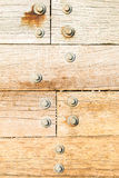 Placas de madeira meados de Borth Gales com parafusos Fotos de Stock