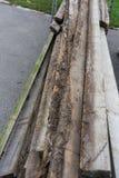 Placas de madeira para a construção e a madeira velha de jardinagem usadas Foto de Stock Royalty Free
