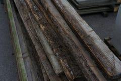 Placas de madeira para a construção e a madeira velha de jardinagem usadas Imagens de Stock Royalty Free