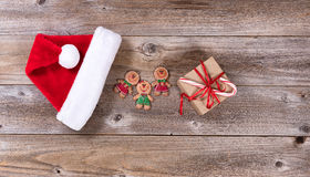 Placas de madeira rústicas com vários artigos do Natal Foto de Stock