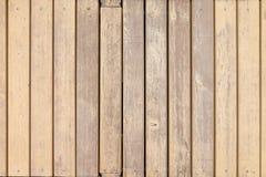 Placas de madeira velhas com pintura bege transversal Fotografia de Stock