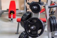 Placas do peso do peso e do barbell da aptidão Foto de Stock