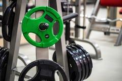 Placas do peso do peso e do barbell da aptidão Imagem de Stock