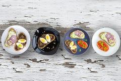 Placas sanas de los tapas de los discos de la comida foto de archivo libre de regalías