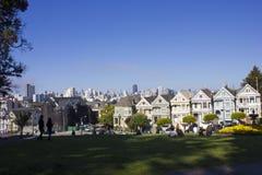 Place d'Alamo et les dames peintes à San Francisco Photographie stock