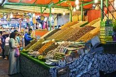 Place d'EL-Fnaa de Jemaa en Médina de Marrakech, Maroc Photo stock