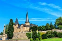 Place de cathédrale avec Michael Church à Fulda historique, Allemagne Images stock