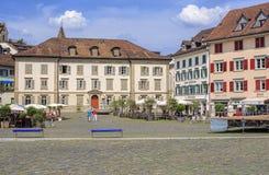 Place de Fischmarktplatz dans Rapperswil, Suisse images stock