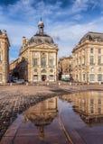 Place de la Bourse con la reflexión, Bordeauxe Foto de archivo libre de regalías