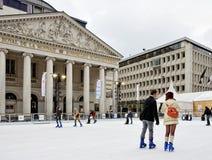 Place DE La Monnaie of Muntplein met het schaatsen piste Royalty-vrije Stock Fotografie