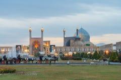 Place de Naqsh-e Jahan à Isphahan après l'obscurité Image libre de droits