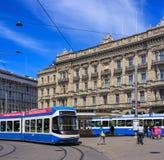 Place de Paradeplatz dans la ville de Zurich, Suisse photographie stock