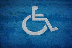 Place de parking de signe de fauteuil roulant Photographie stock libre de droits