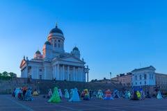 Place de sénat et la cathédrale luthérienne, à Helsinki image libre de droits