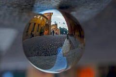 Place de Santo Setfano à Bologna, dans une boule de cristal Photo stock