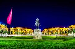 Place de Skanderbeg, Tirana - Albanie images libres de droits