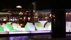 Place de Soho Le restaurant de luxe sur l'eau banque de vidéos