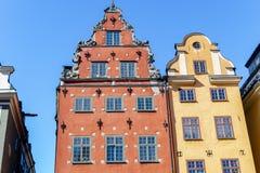 Place de Stortorget dans la vieille ville Gamla Stan à Stockholm, la capitale de la Suède Maisons colorées à la place célèbre de  photos stock