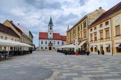 Place de ville de Varazdin, Croatie images libres de droits
