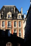 Place des Vosges Παρίσι Pavillon du Roi ιστορικό κτήριο façades στοκ εικόνες
