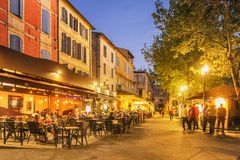 Place du Forum - Arles, France image stock